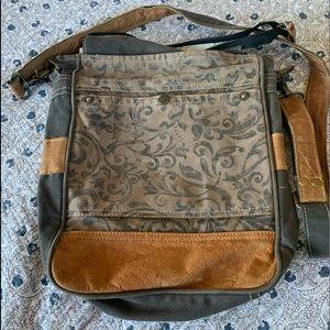 Super cute large Myra Bag purse.